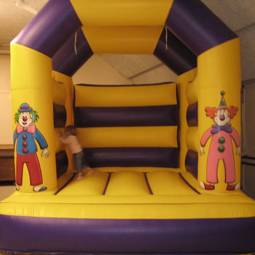 clown-bouncy-castle-1